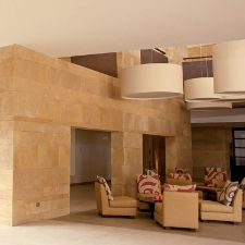 Rivestimenti interni pietra naturale trachite arenaria gialla rivestimenti - Rivestimento finta pietra interno ...